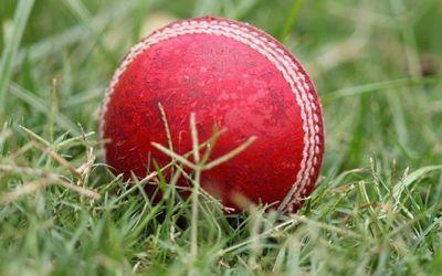 Zia Butt, with the ball, and Abdullah Khan, with the bat, were far too good for Bradford Moor, as they helped leaders Woodhouse to an easy win in Division A of the Dales Council League