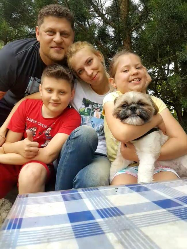 The Czerniga family - mum Kasia is fighting a rare type of cancer