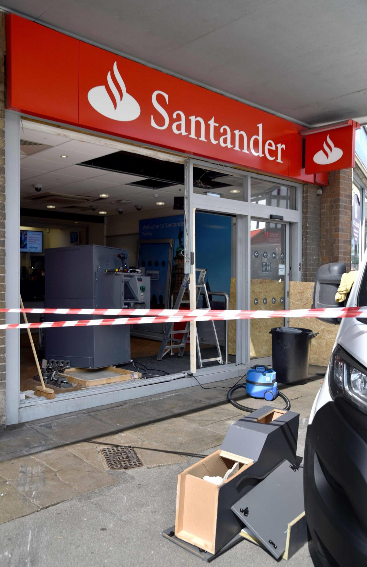 Santander bank on Lidget Hill in Pudsey hit by ram raid | Bradford