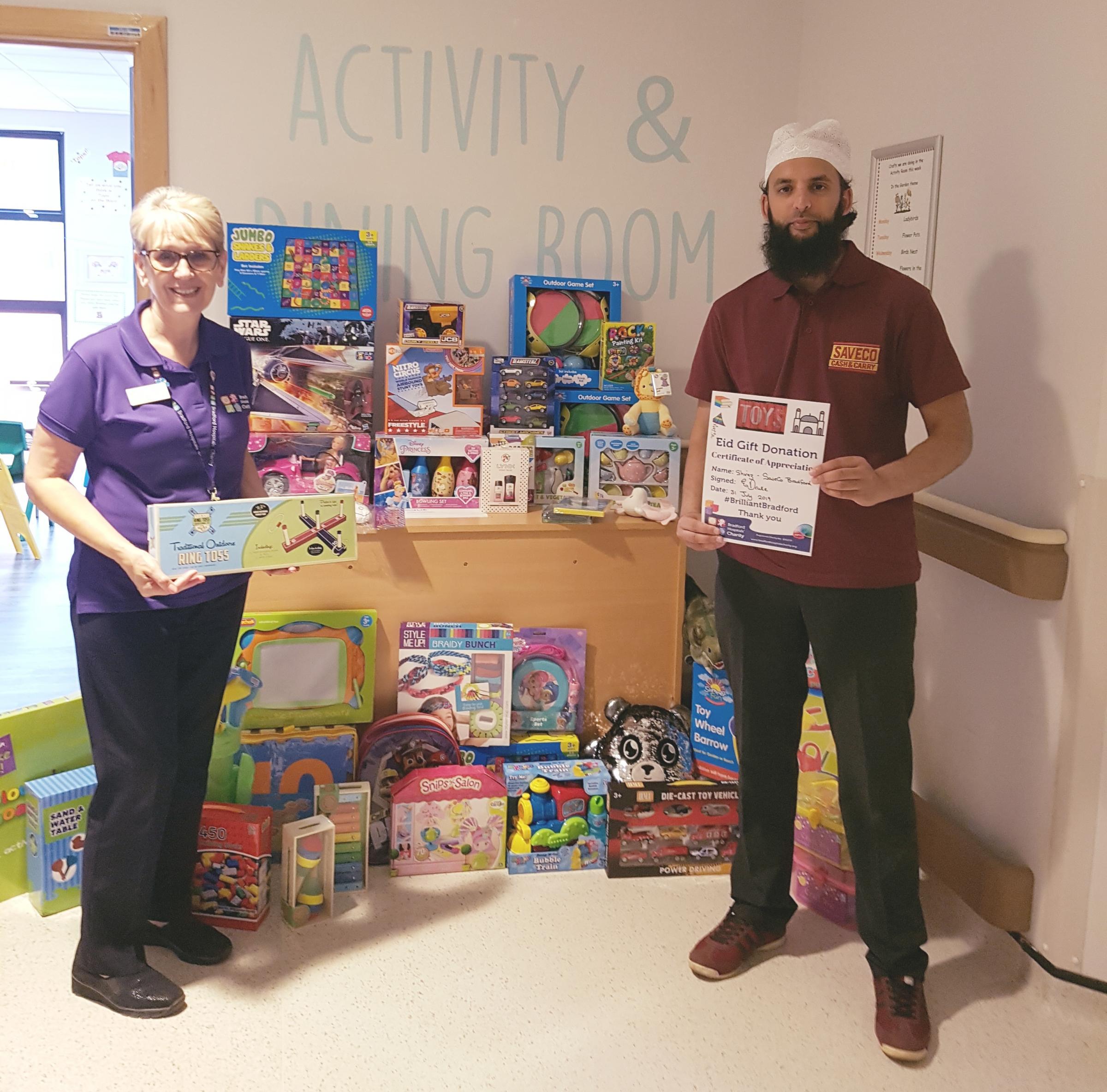 Gift donation at BRI for Eid lifts children's spirits