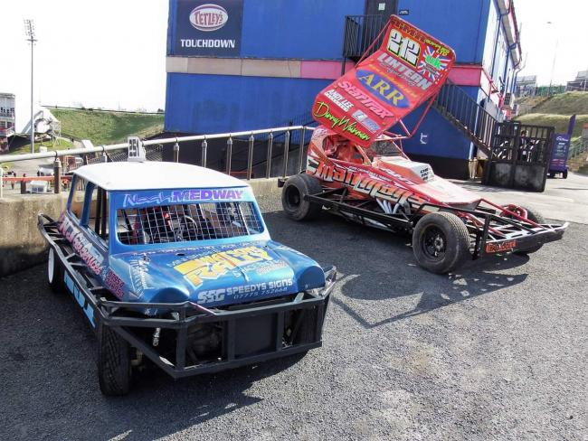 Some pics from some recent pre match stock car parades that I organised in conjunction with the Bulls Stadium manager. Such a sad loss to Odsal, along with the Speedway, over 20 years ago now. Perhaps the old girl wouldn't be closing now had they been allowed to stay.