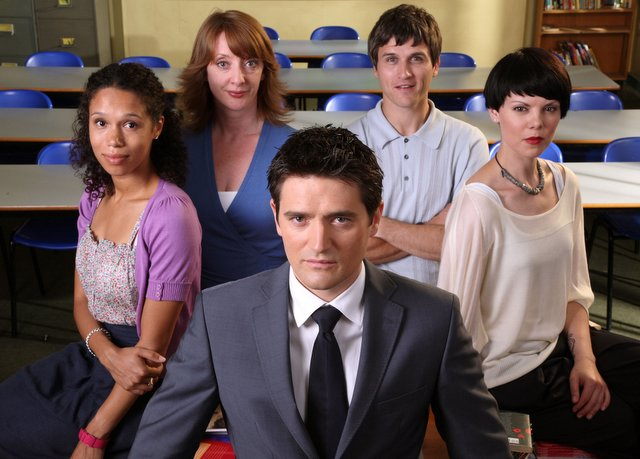 Vinette Robinson (left) and Sarah Jane Potts (right) with the cast, including Tom Chambers (centre)