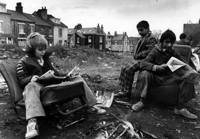 Photographer Ian Beesley has shared his images of kids street games in Bradford between 1977 and 1979