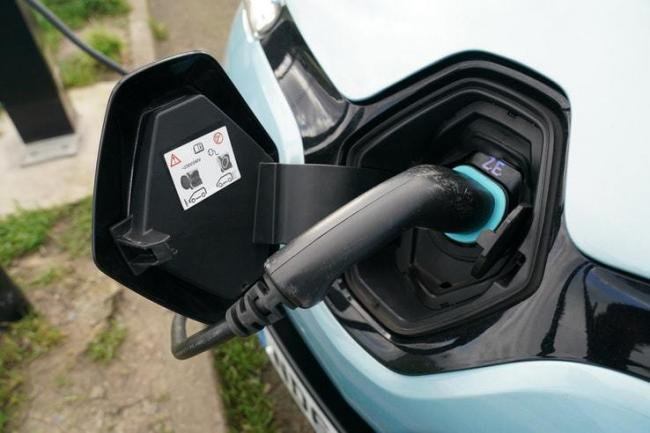 Electric cars are gaining popularity
