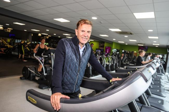 Former Dragon's Den star Duncan Bannatyne is calling for gyms to be re-opened