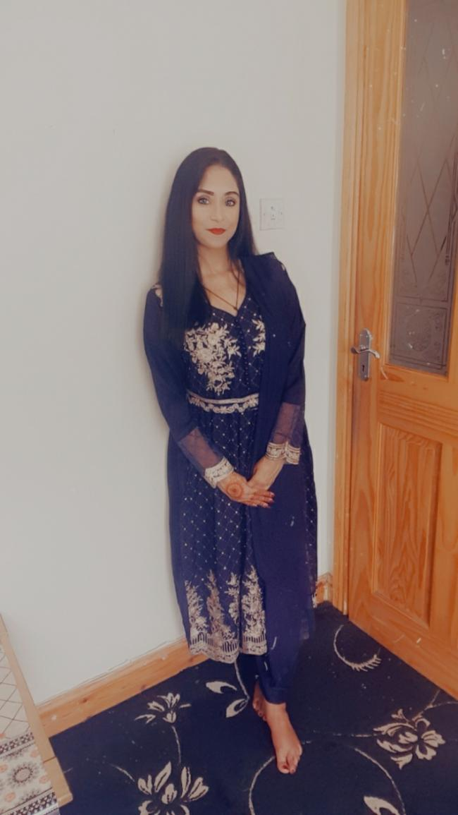 Taking the mandatory eid pictures not been to see any relatives due to covid
