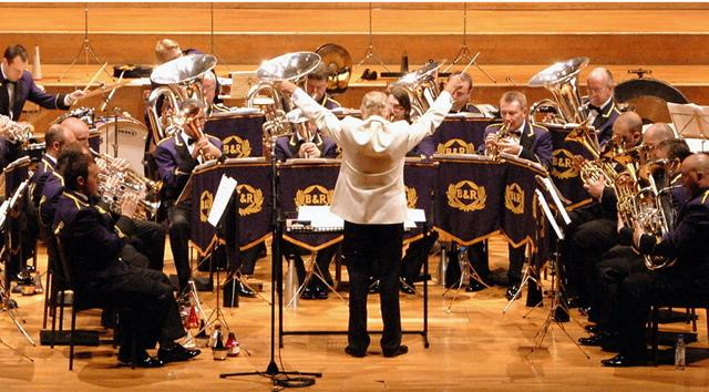 Big band prepare for an American adventure