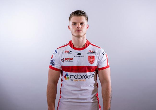 Adam Rooks has signed a permanent deal with the Bulls after his loan from Hull KR