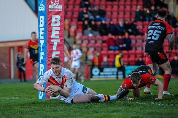 Liam Kirk scores a try for Bulls in a friendly against Dewsbury Picture: Tom Pearson