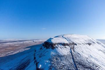 Penyghent in the Yorkshire Dales and a snowy start to May
