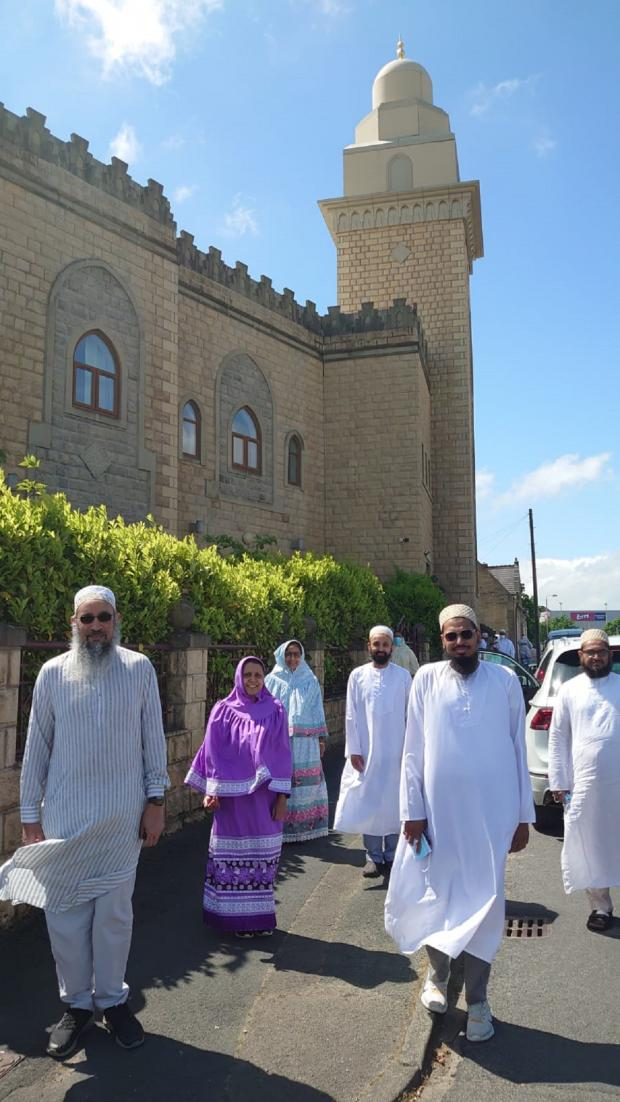 Bradford Telegraph and Argus: The President of The Bradford Dawoodi Bohra Community together with Doctors and Volunteers