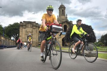 Clean Air Day cycling event highlights Manningham Lane scheme
