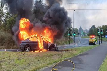 Dramatic images of car fire around M62 junction 24