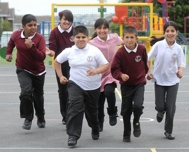 936e72d7 Former Bradford City star Des Hamilton helps launch new bid to encourage  pupils to exercise