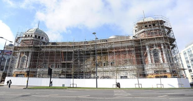 A report by building surveyors says the former Odeon in Bradford city centre is now structurally unsafe