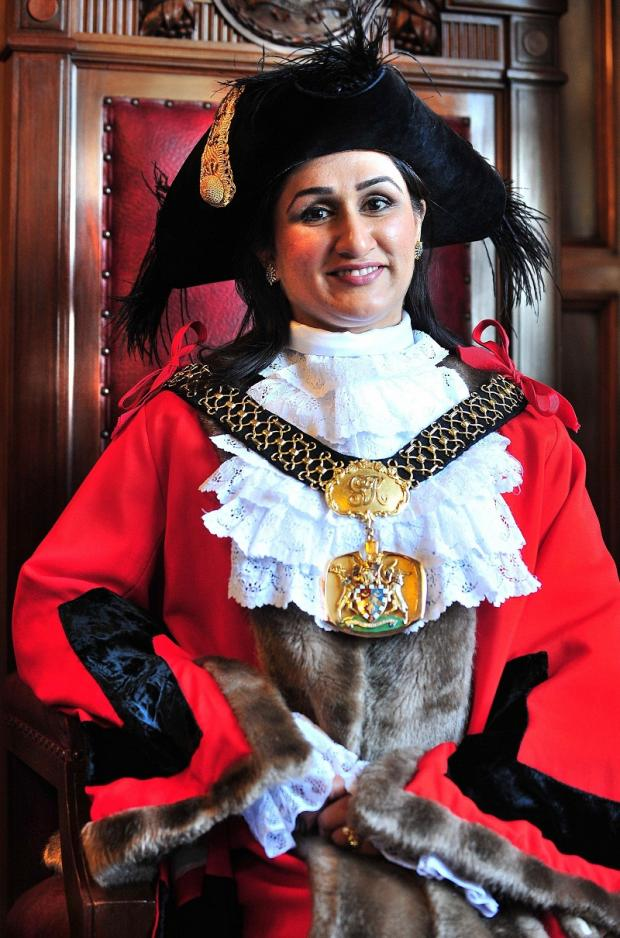 The Lord Mayor, Coun Naveeda Ikram