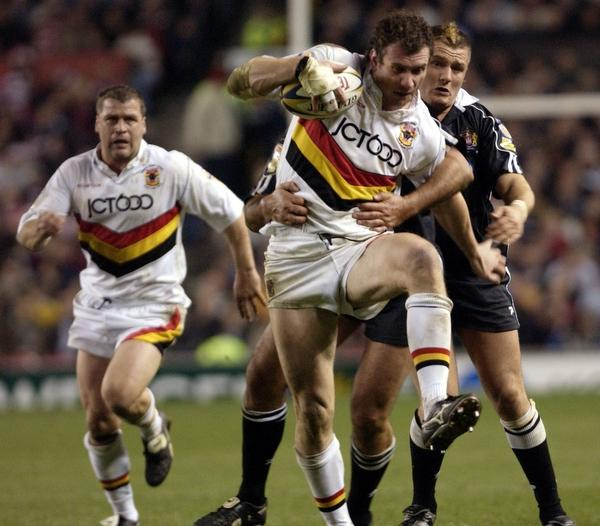 Bradford Telegraph and Argus: Jamie Peacock's 2003 Grand Final shirt is among prized memorabilia up for auction tonight. Peacock is pictured in the 2003 final against Wigan