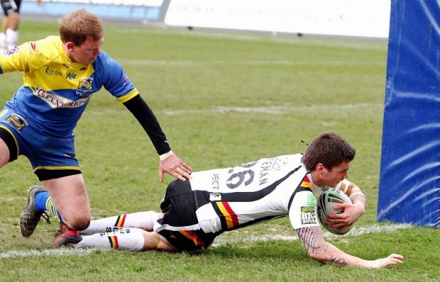 John Bateman dives in for the seventh Bulls try