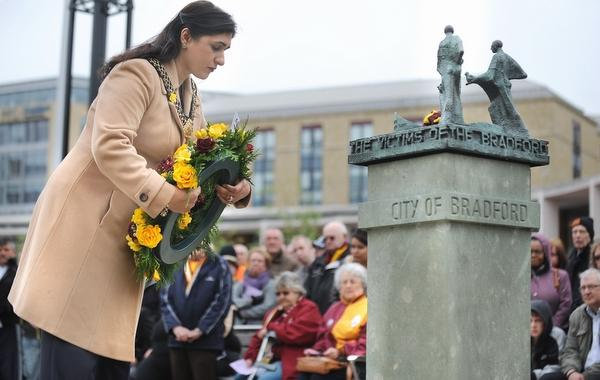 The Lord Mayor of Bradford, Councillor Naveeda Ikram lays a floral tribute
