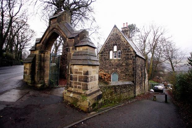 Utley Cemetery Lodge