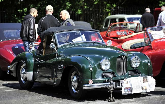 Owners Of Jowett Cars Once Made In The District Celebrate