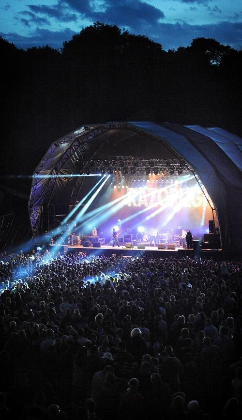 The laser lights shine at Myrtle Park for the Razorlight set