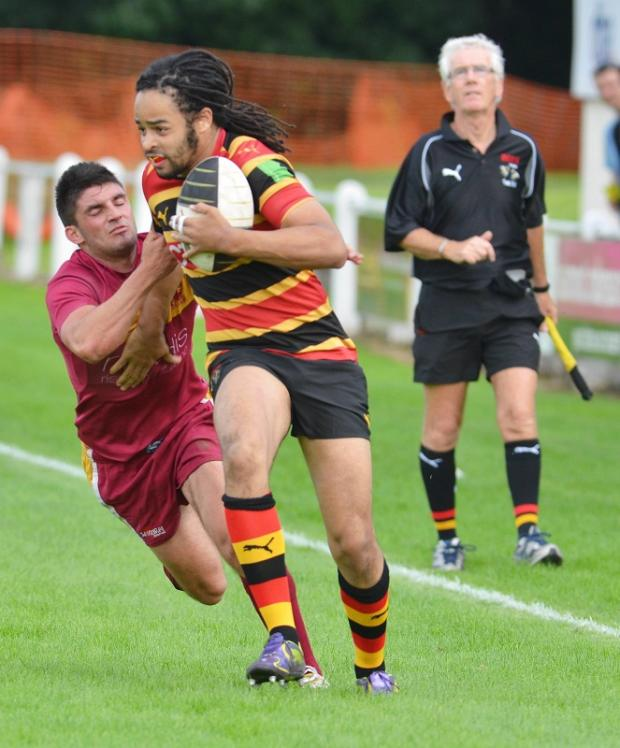 Winger Adam Wellington capitalised after Bradford & Bingley enterprise with a try
