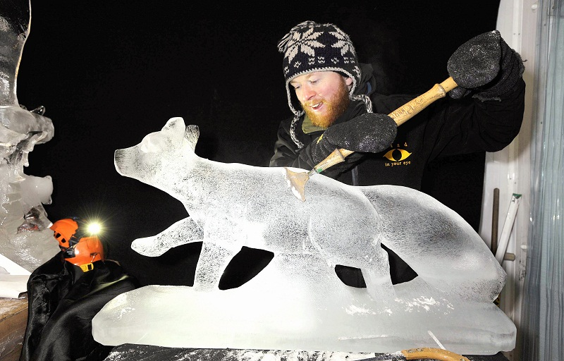 Jamie Wardley at work on his Litlle White Fox sculptures