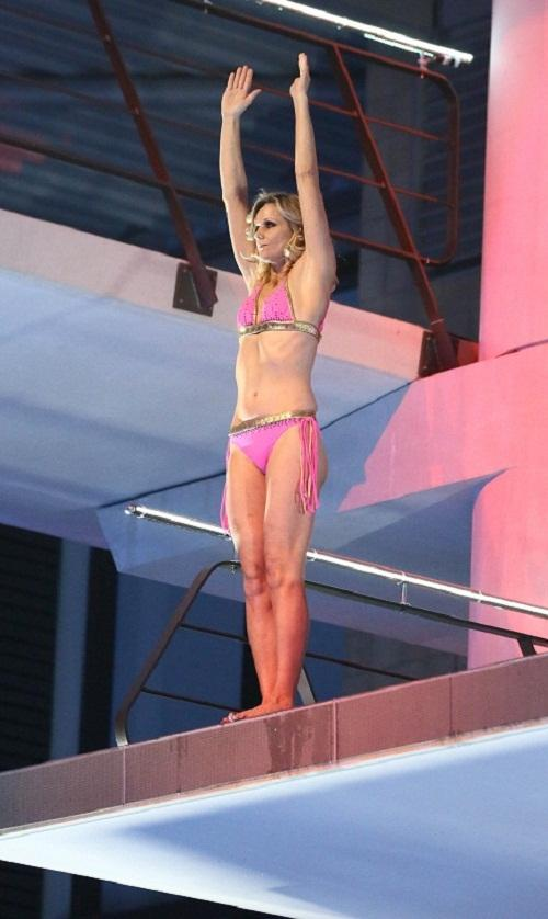 Linda Barker prepares for her solo dive on ITV's Splash!