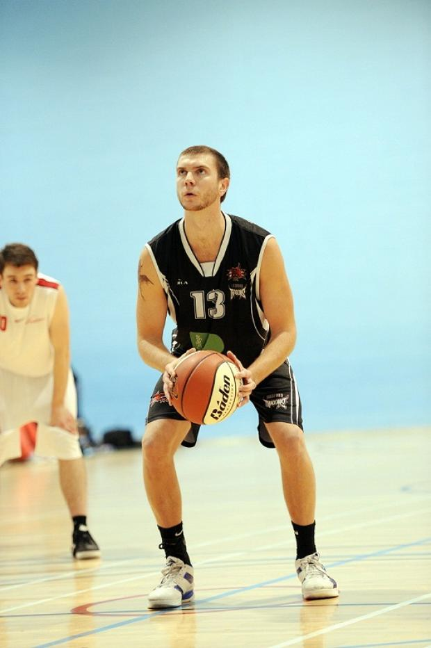 Ricky Fetske top-scored with 20 points for the Dragons