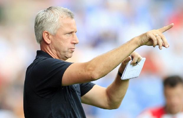 Alan Pardew knew Phil Parkinson had what it takes to become a manager when the pair were together at Reading as boss and captain