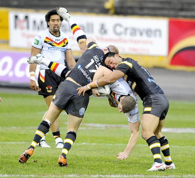 Nick Scruton in action for the Bulls against Castleford