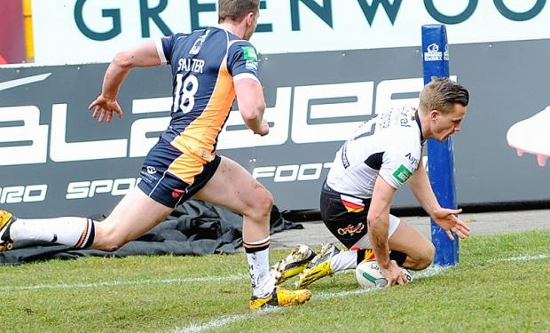 Jamie Foster touches down against Hull KR