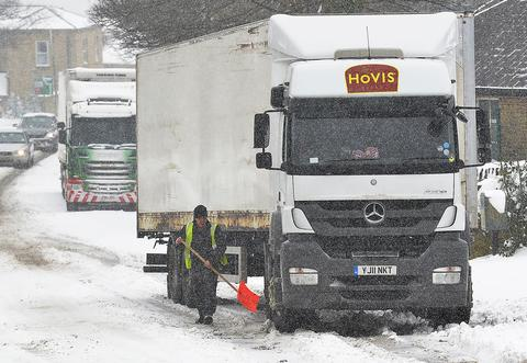Lorries stuck in snow along Lister Lane, Bradford