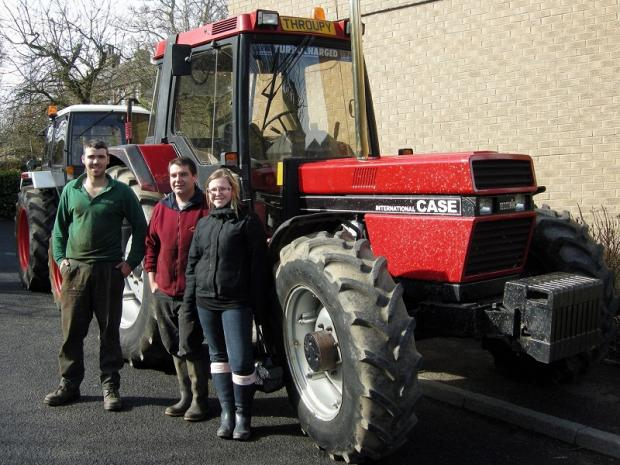 Tractor run raises cash for hospice