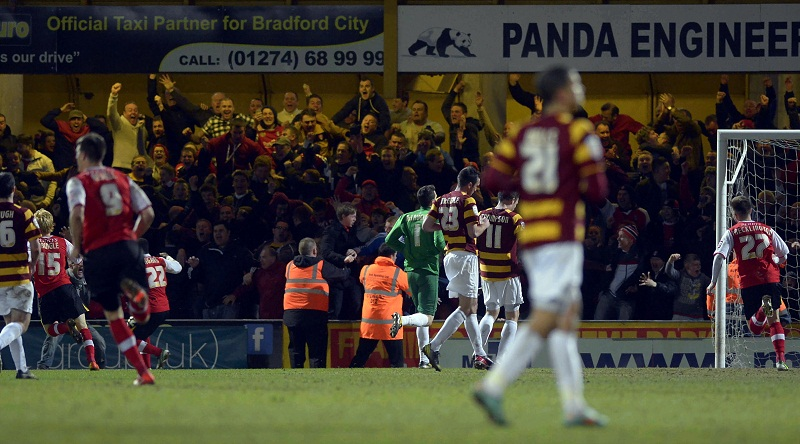 Bradford City boss Parkinson slams 'incredible mistake'