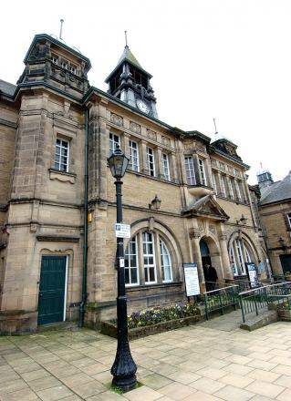 Ilkley town hall manned reception is axed