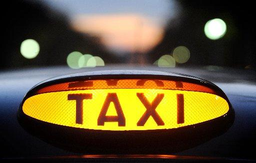 Cabbies welcome red tape review on taxi licence rules