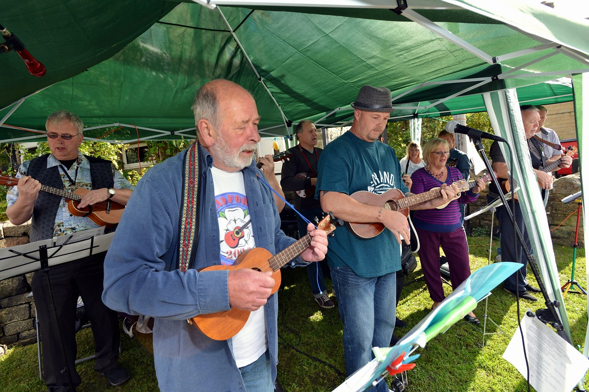Ukulele festival is top of the locks at Bingley's Five Rise