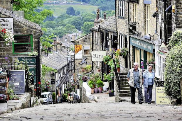 Extras rush into Haworth for role in television ad