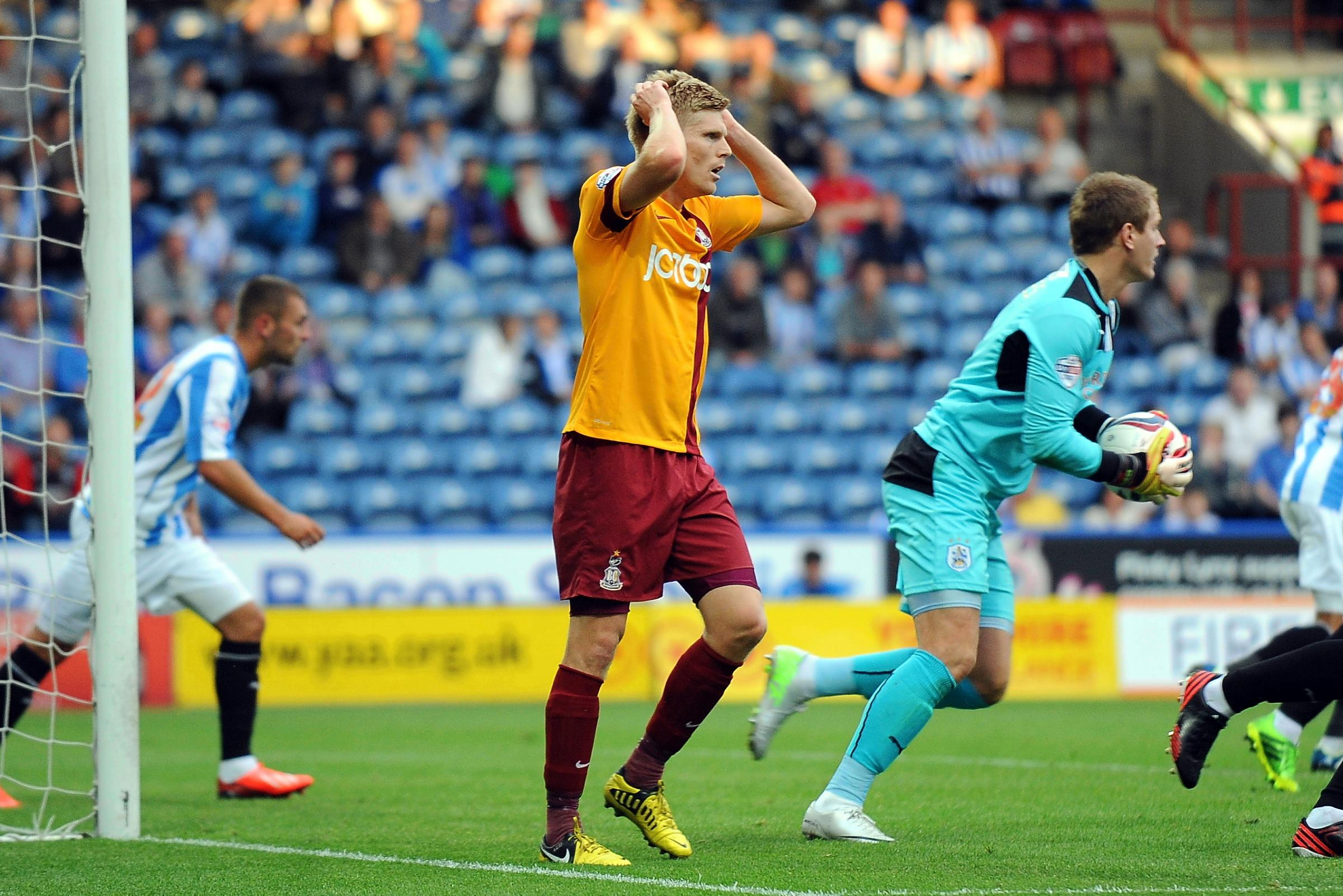 Connell and Ravenhill leave Bradford City for Northampton