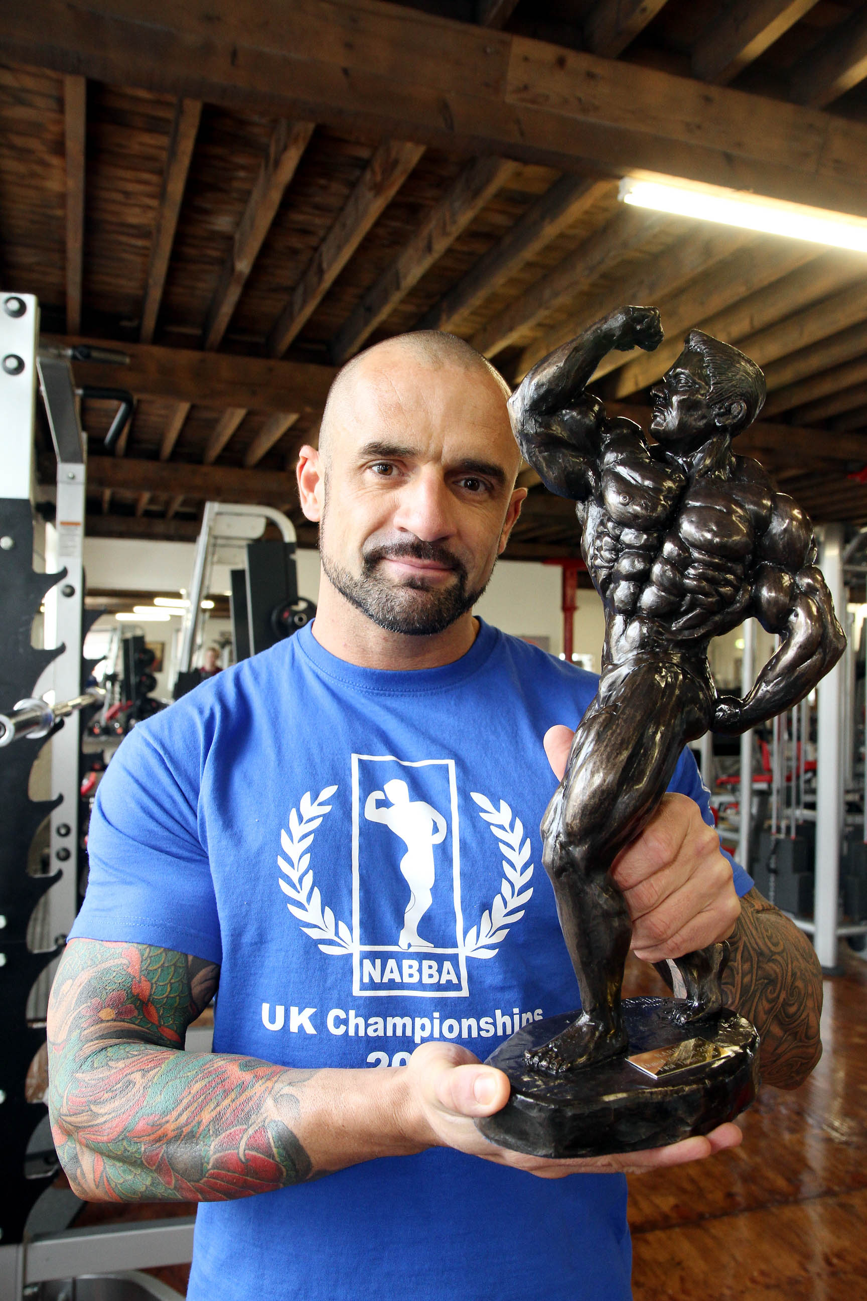 Bodybuilder's steroids message: 'stay natural for safe muscle gain'