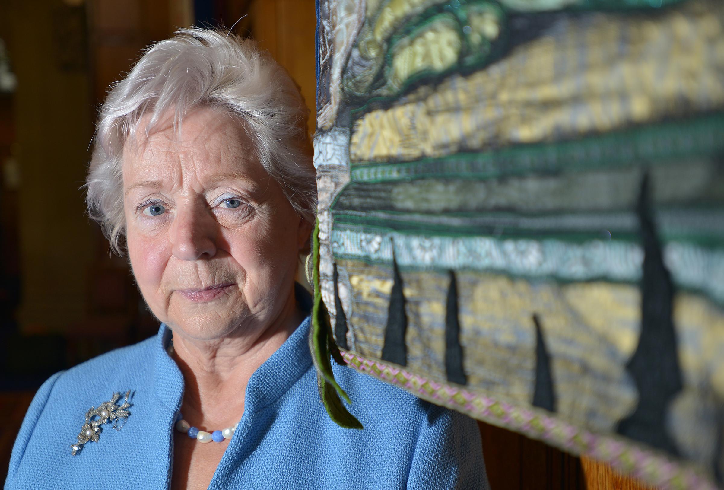 Elizabeth Peacock wwwthetelegraphandarguscoukresourcesimages27
