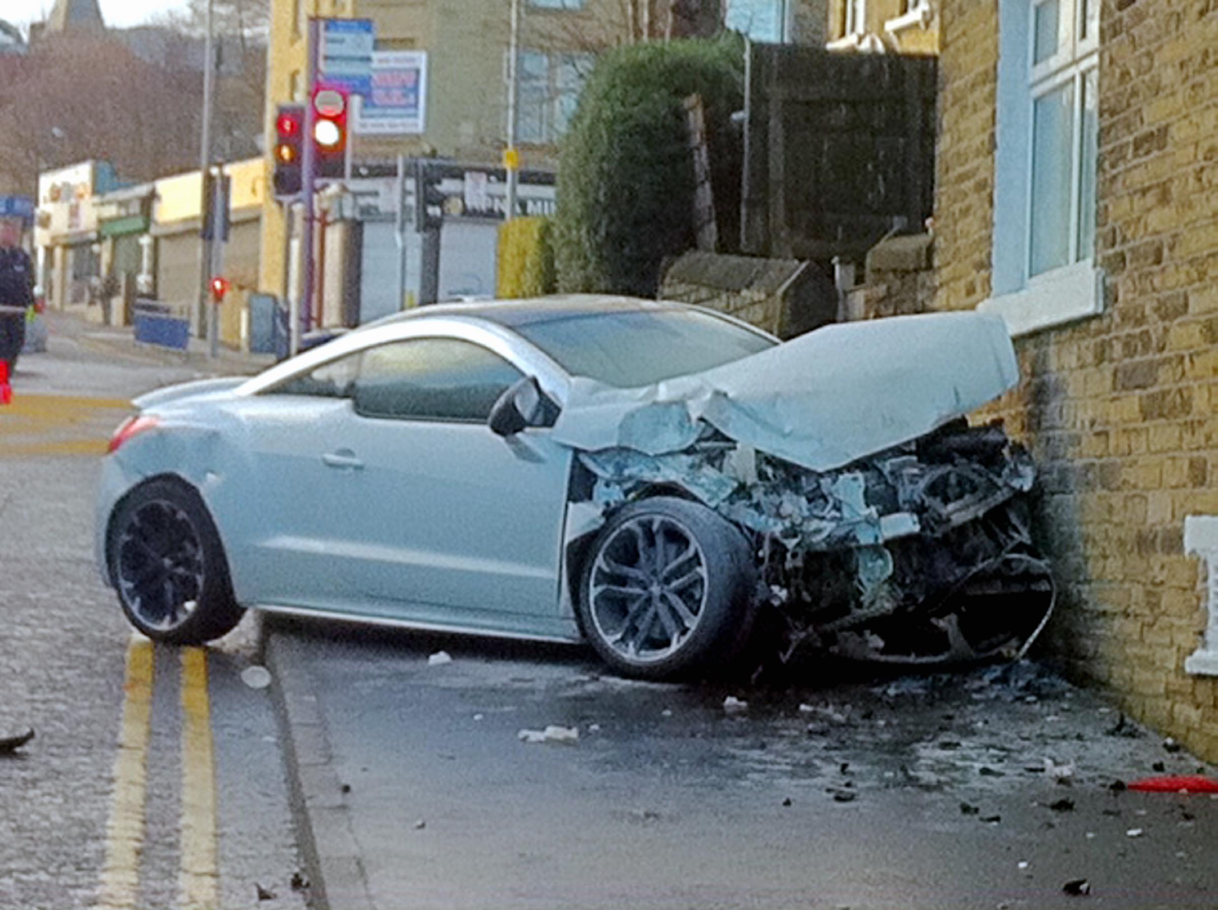 Update Ambulance And Sports Car Crash In Bradford Bradford