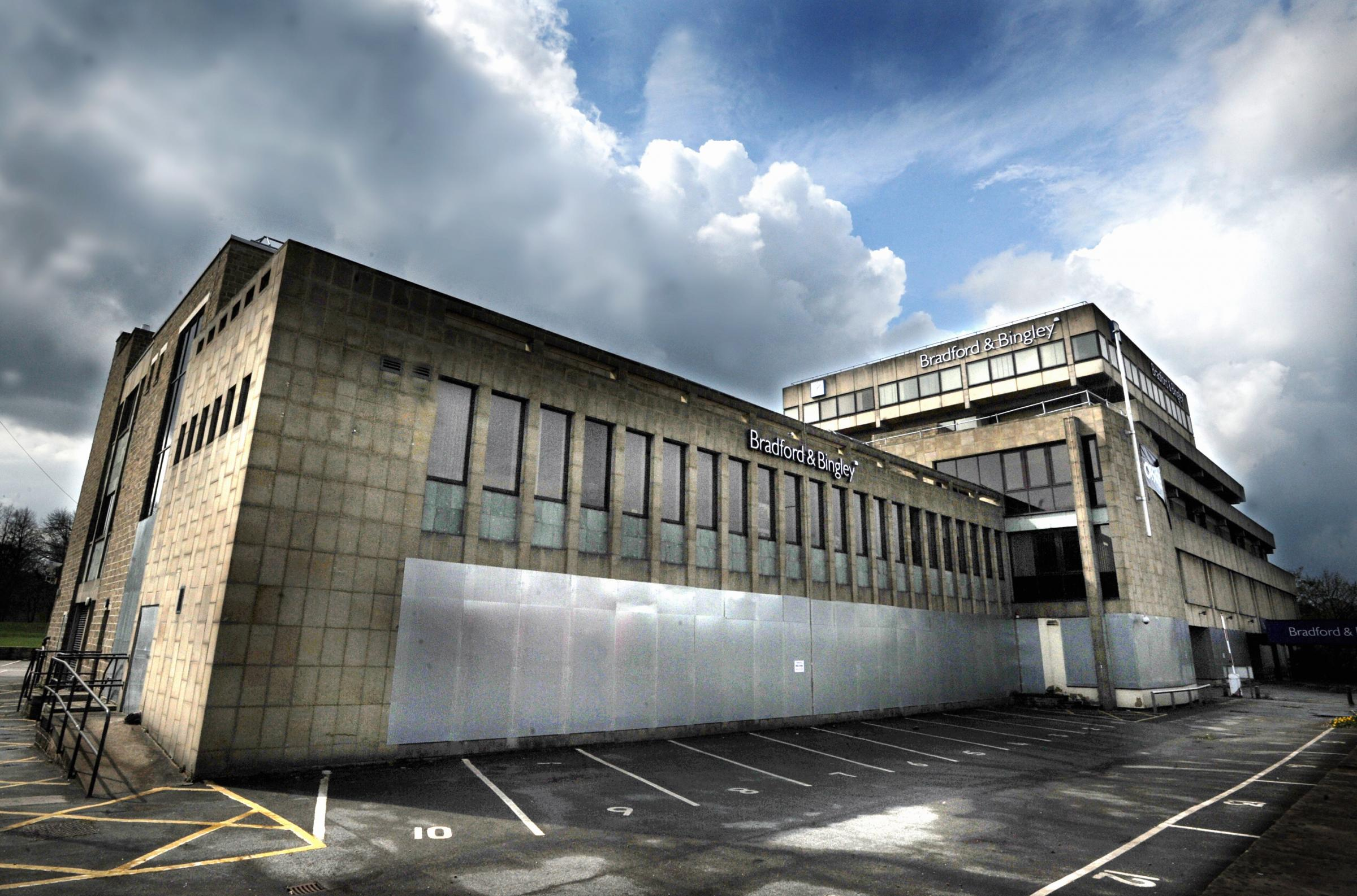 Hibernating bats delay former Bradford & Bingley HQ demolition