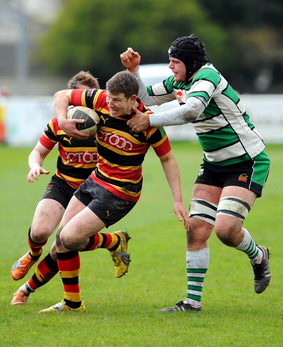 Richard Scull is preferred at scrum half over Kirk Arundale for the home match against Sandal