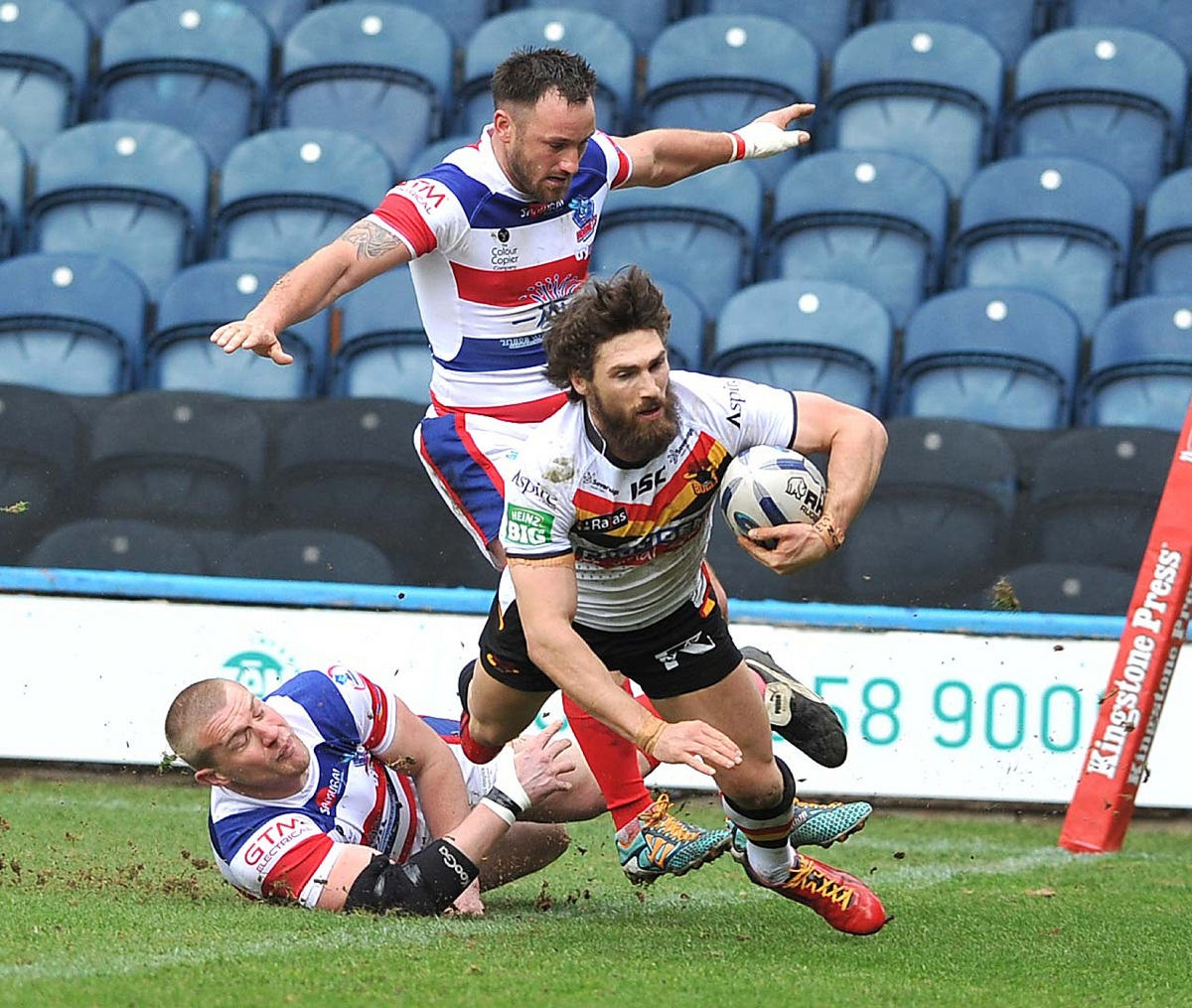 Jarrod Sammut says there is enough quality at new club Wakefield and old club Bradford to mean they won't be fighting off relegation
