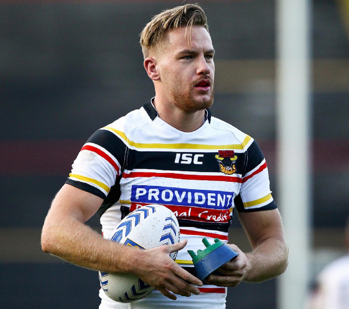 Bulls winger Jamie Foster has hit back at Mark Moore's statement and says he would love to make the critics eat their words