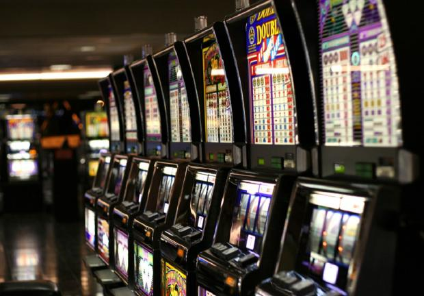 Gaming machines will   now have mandatory alerts