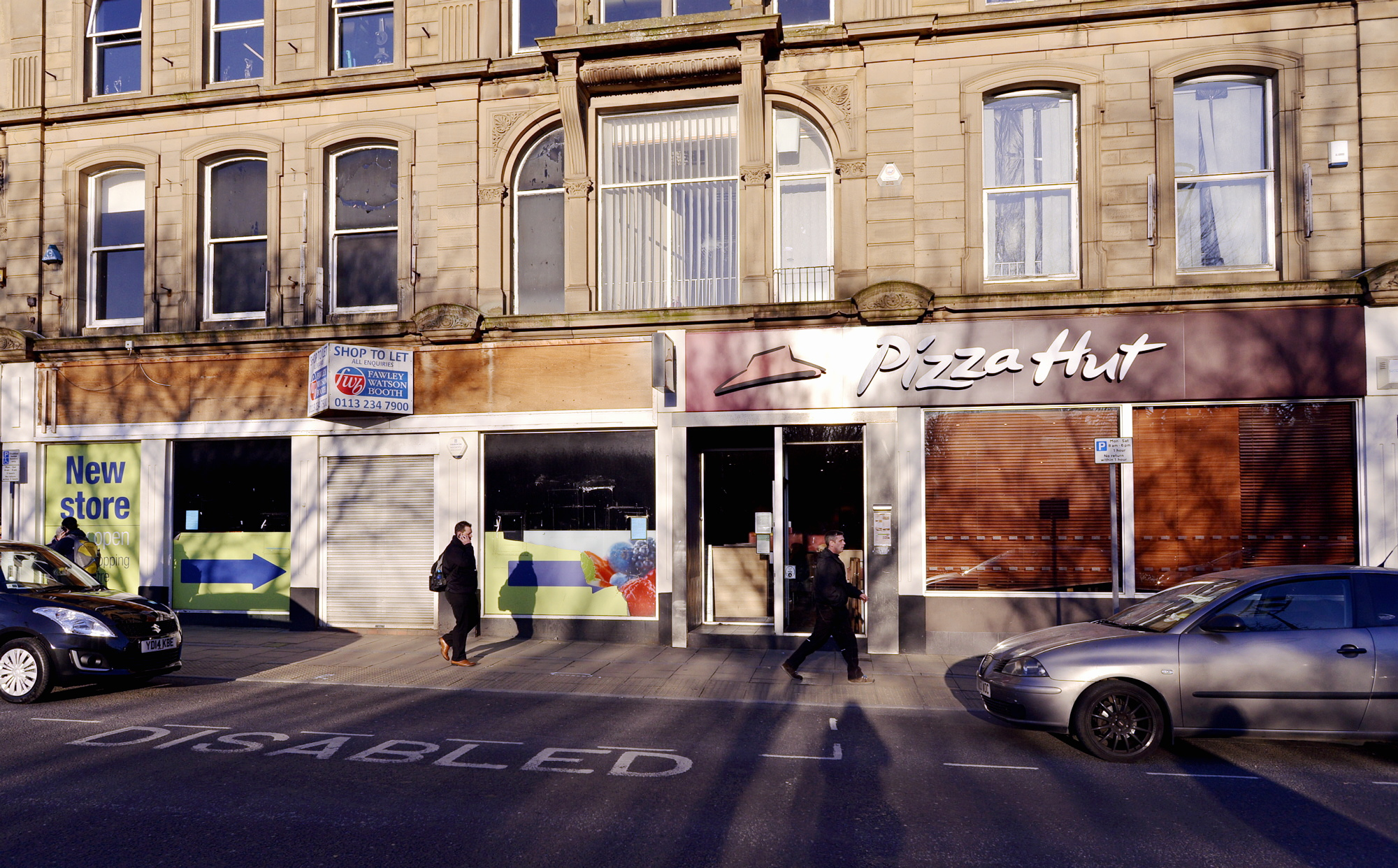 Sainsbury's wants to create a Bingley store in the former Co-op, extending into the Pizza Hut premises